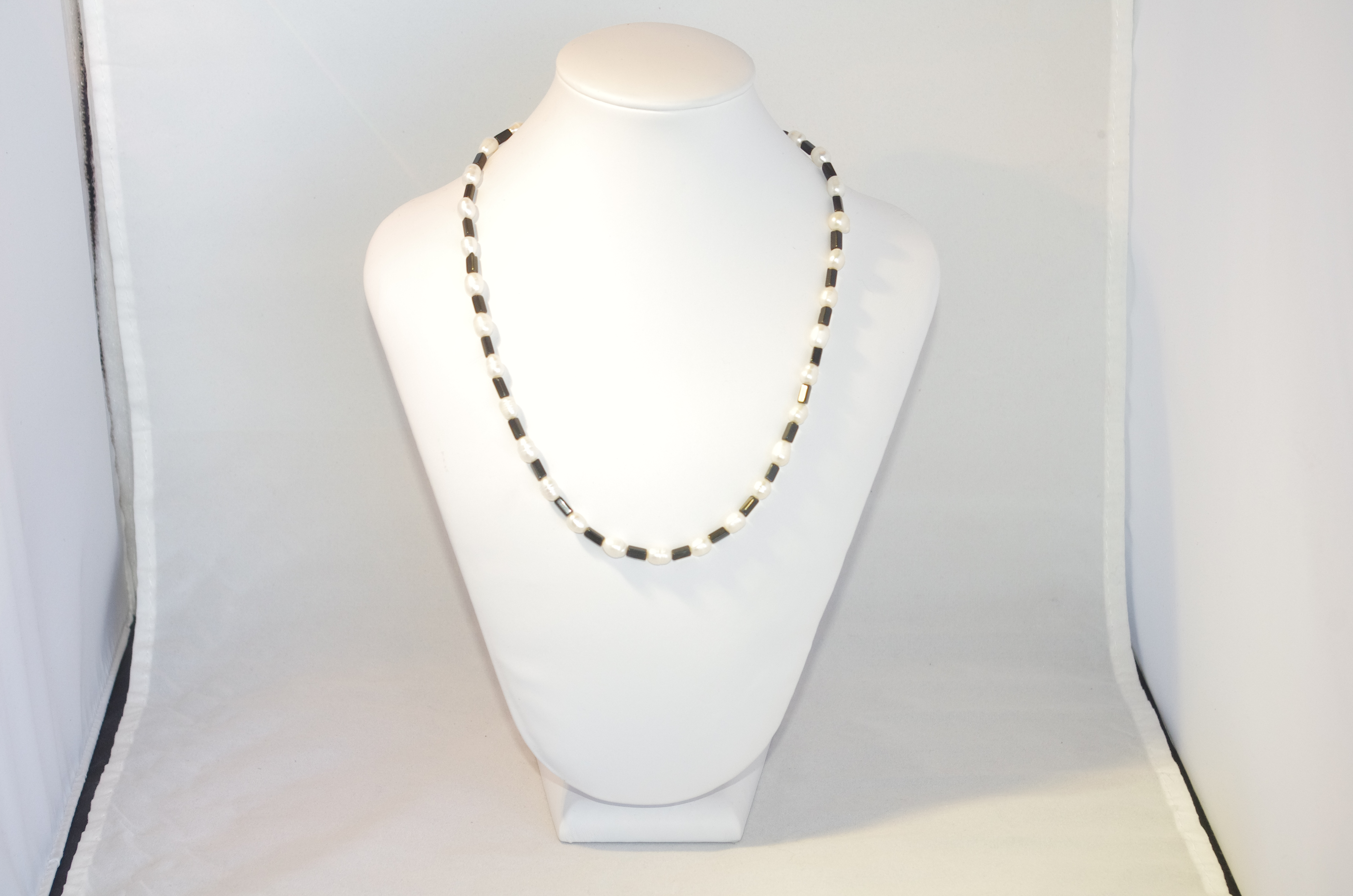 Onyx rectangles and freshwater pearls